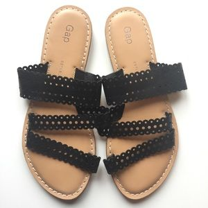 Gap Sandals with 3 Black Leather Straps Open Toed